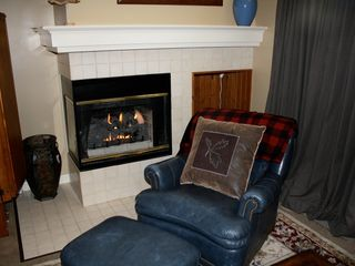Bretton Woods townhome photo - A seat by the fire....