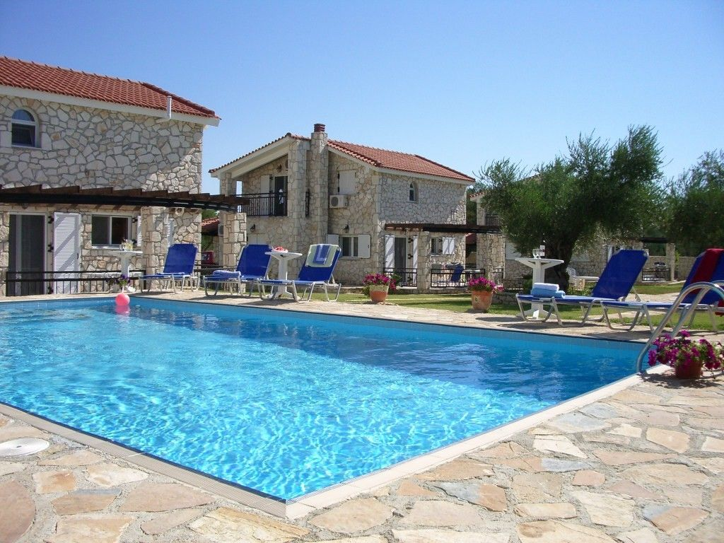 Cheap accommodation, 100 square meters, with pool