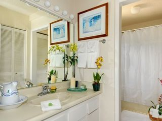 Poipu condo photo - Bathroom attached to second Bedroom with closet, tub bath and shower. .