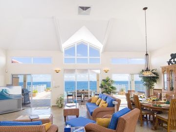 Fresh, bright entertainment/dining area and PRICELESS VIEW!