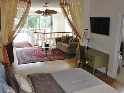 "Upper Master Bedroom Suite w/ King Bed, Persian Carpets & Private Bath & 47"" TV"