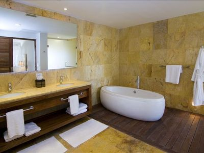 Punta Cana apartment rental - Master bathroom
