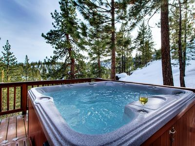 Relax in this hot spa on a private deck after a good day of skiing or hiking.