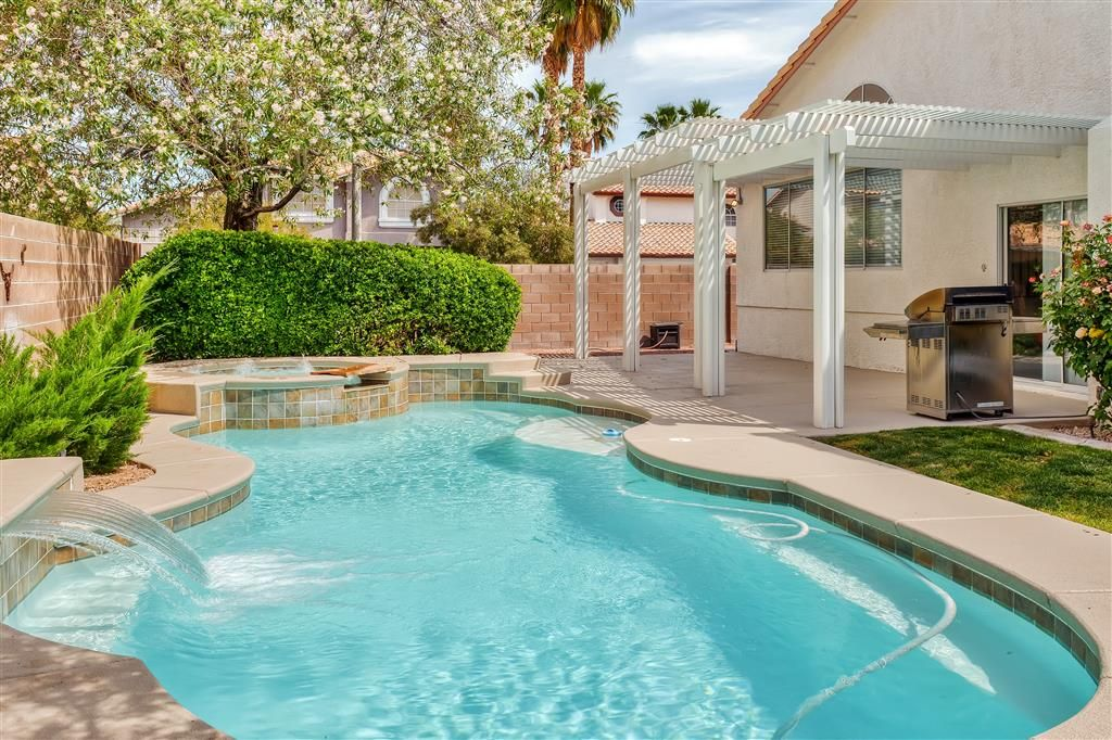 Swimming Pool Rentals : Stylish br henderson house w private homeaway green