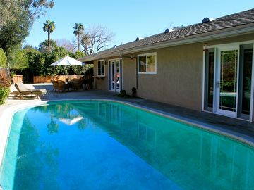 Ojai house rental - Pool & backyard
