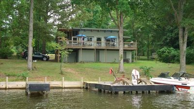 Relax on the pier, the deck or the screen porch.  WATER FRONT COTTAGE