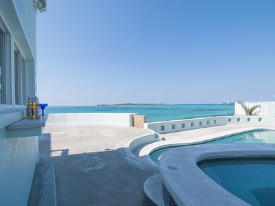 Location, location, location no car/taxi needed, Luxury Oceanfront, heated pool