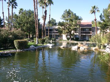 Cathedral City condo rental - Views of the water are everywhere.
