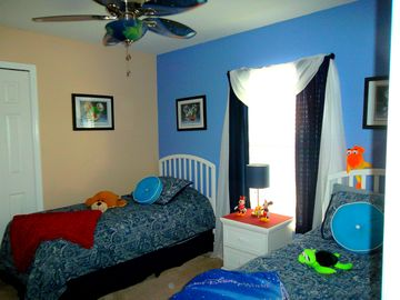 TWO TWIN BEDS IN BEDROOM 2