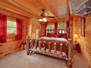 Pigeon Forge cabin photo - One of three Master King suites with pillow top comfort