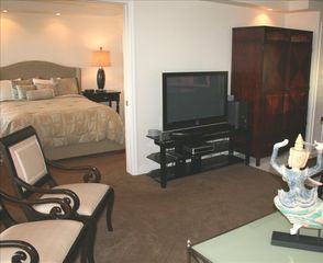 Waikiki condo photo - Elegantly furnished! Custom door between living room and bed room