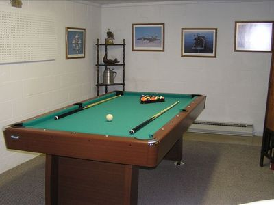 Basement: Pool table