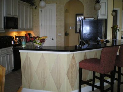 Kitchen/eating bar