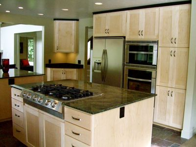 Gourmet open kitchen with two islands