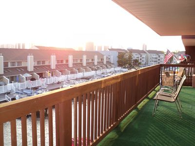 9400 Oceanside Ocean City condo rental - Big Balcony 33ft long to View Sunrise