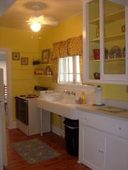 New Port Richey cottage photo - Kitchen