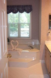 Master Bathroom/jet tub