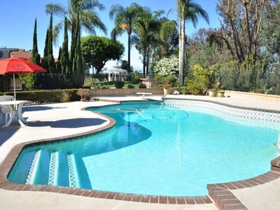 Nice House With 4 Bed Rm And Private Pool, 15.7 Miles To Disneyland