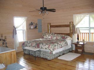 Muddy Pond cabin photo - romantic TN cabin rental- king bed and jacuzzii