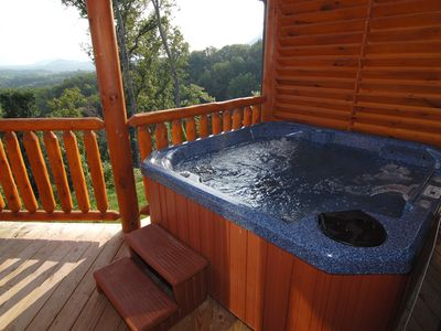 Hot Tub with extra jetties. Great for a morning cup of coffee in the tub
