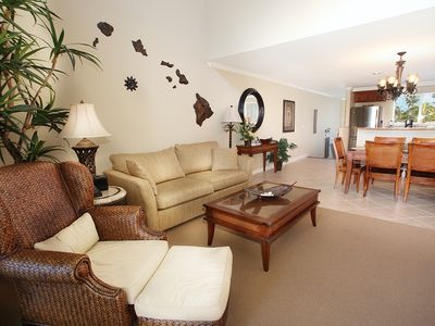 Waikoloa Beach Resort condo rental - Spacious common area, beautifully decorated