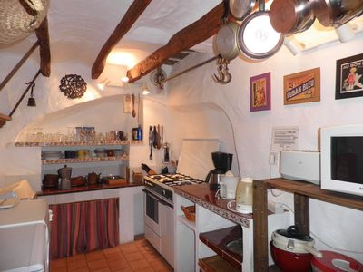 Fornalutx cottage rental - La Casa Dos: Traditional style kitchen