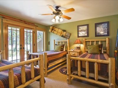 Downstais Snow and Ski Rm Suite, 3 Twins, Flat Screen/DVD,  Exit to the hot tub
