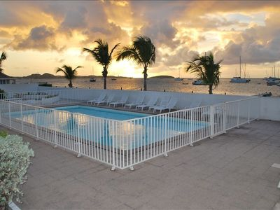 Marigot condo rental - pool at sunset