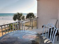 Spectacular Gulf Front View, Beautiful Decor, Just Like Home!!