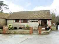 BROOK COTTAGE, pet friendly in Milton On Stour, Ref 2362