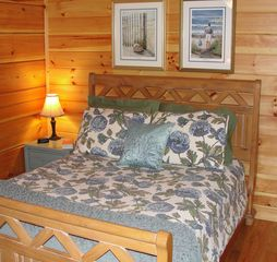 Lake Lure cabin photo - Queen bedroom on main floor with large closet and adjacent bath.
