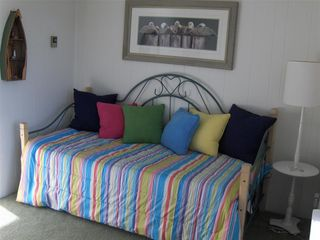 Lewes condo photo - Guest Bedroom Daybed w/Pop-up Trundle converts to a King!