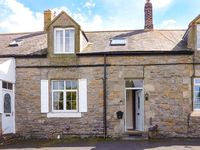 BOWSDEN HALL FARM COTTAGE, pet friendly in Lowick, Ref 1299
