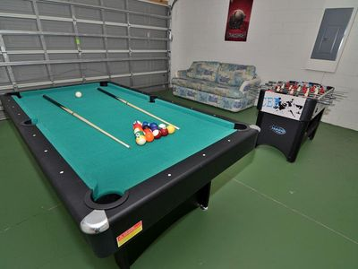 Chill out in the games room with fussball, pool or table tennis!