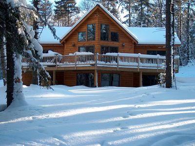 Log Home in Winter Wonderland, Ski, Splash or just Get Away from all 🐾Friendly