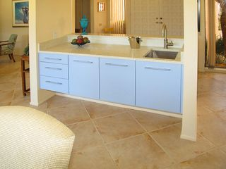 Indian Wells house photo - New wet bar in foyer.