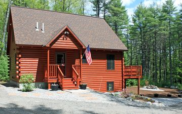 Harrison cabin rental - Authentic log cabin in woods of Maine