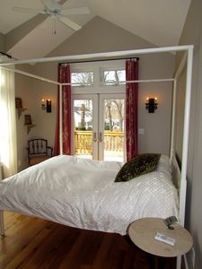 Upper Level Master Bedroom - Queen Bed