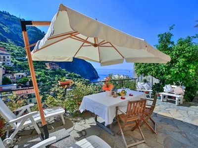 Apartment with terrace overlooking the sea, the essence of a holiday to 5 Terre
