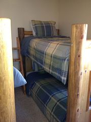 Duck Creek Village cabin photo - Upstairs Twin Beds