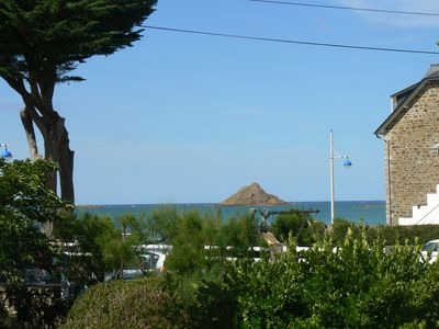 Renovated house 20 meters from the beach