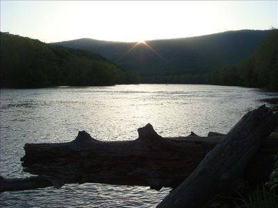 pictures of the nearby Shenandoah River