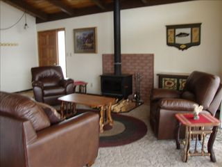 Klamath Falls cabin photo - Relax in the comfortable living room with a cozy fire place