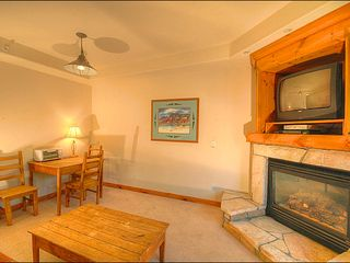 Breckenridge condo photo - Intimate Dining Area and Fireplace
