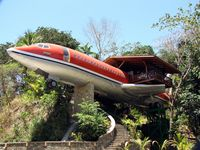 Experience WORLD FAMOUS 727 Airplane Jungle Fuselage Home in Manuel Antonio