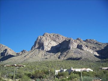 Oro Valley townhome rental - Mountain View from balcony