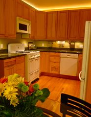 Well-appointed kitchen - San Francisco apartment vacation rental photo
