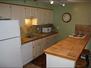 Breckenridge condo photo - Fully Equipped Kitchen with Bar Seating