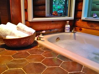 Guilford house photo - Main Floor Sunken Soak Tub