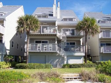 Indian Shores townhome rental - Pelican's Pointe Townhouse with Balcony facing beach